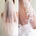 One Layer Ivory White Bridal Veil Lace Crystals Applique Tulle Cheap Wedding Accessories Veils 2017 with Comb