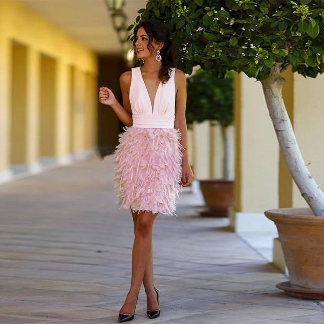 63f964fb1 Vestidos de Coctel atractivos Feathe Profunda Backless V-cuello Corto Mini  Club Del Partido Del