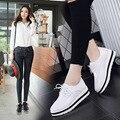 Cuñas de las mujeres zapatos de Las Bombas de 2016 Nueva Moda de Cuero Casual Zapatos de Plataforma de La Mujer Zapatos de Las Señoras Atan Para Arriba Blanco Mujeres F5259