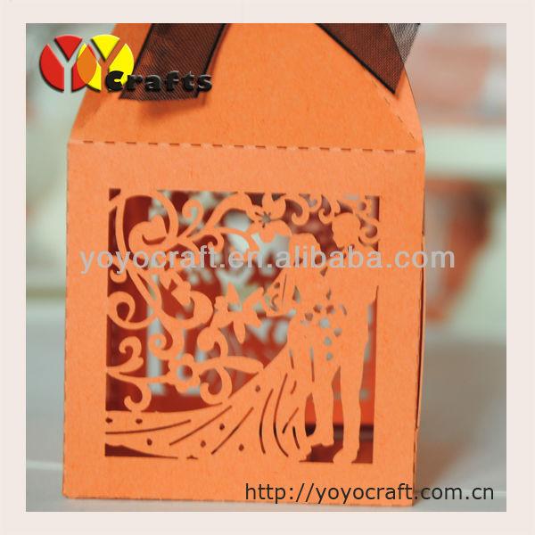 2015 Лидер продаж Лазерная резка свадьбы пользу партии коробка конфет для ОПТ и розница