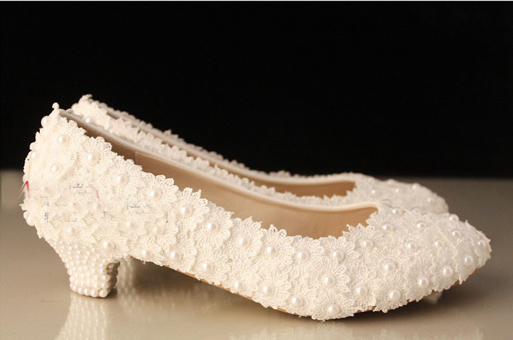 ФОТО White Low Heel Wedding Shoes Lady Special Shoes for Anniversary Party Free Shipping  Shoes Woman Evening Party Prom Shoes