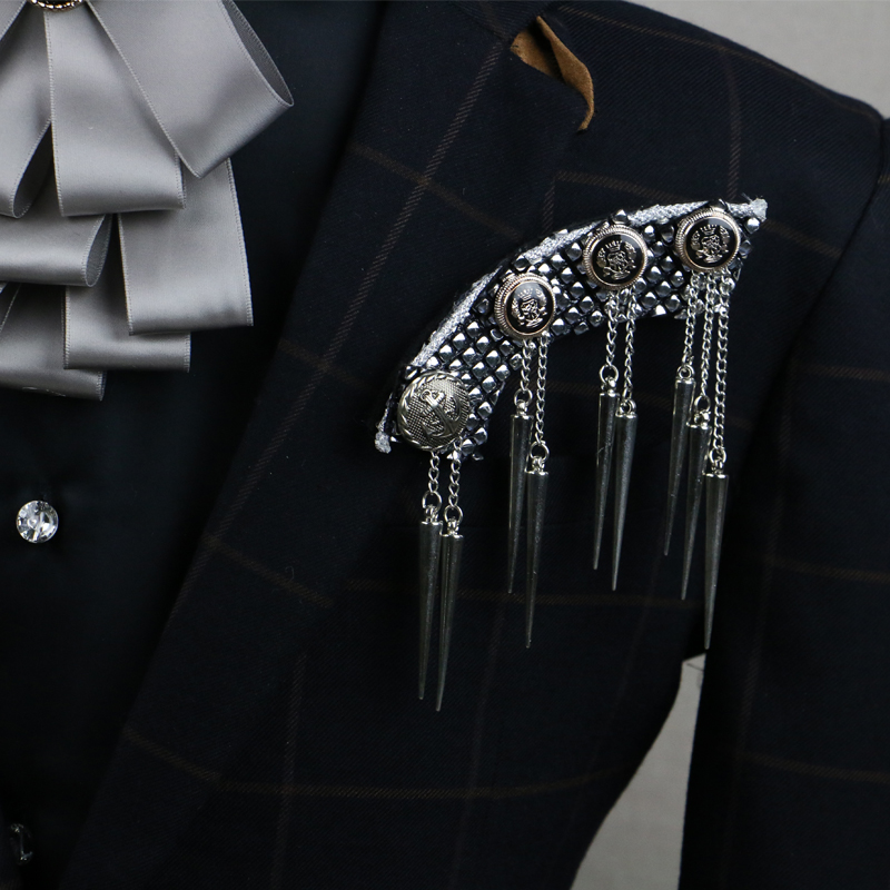 2017 Sale Promotion Brooches Retro Personality Bullet Fashion Mens Suit Coat Shirt Tassels Brooch Corsage Pin Male Accessories