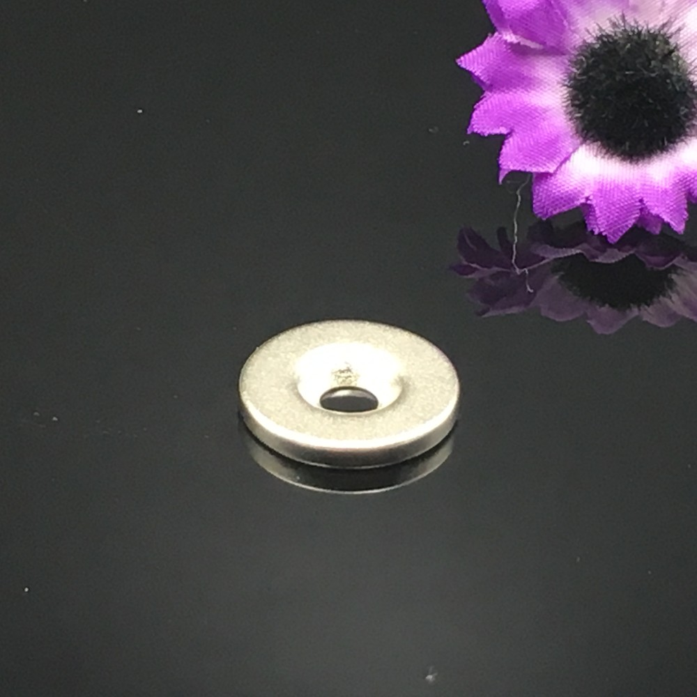 100pcs  12x3 hole 4MM Ring Round Neodymium Magnets With Hole NEW 12*3