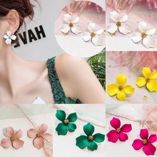 1 Pair New Fasion Charm Girls Flower Ear Studs Women Party Travel Earrings Gift Earrings Jewelry(China)