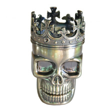 1PC Creative King Skull Herb Grinder 3 Parts Cigarette Rolling Tool Hookah Pipe Portable Tobacco Crusher Hand Muller Grinder