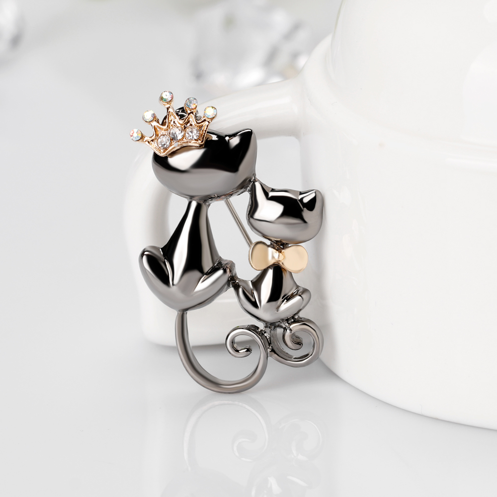 Mother Daughter Cats Brooches Crystal Crown Queen Corsages Pin Women Hats Scarf Suit Brooch Clothes Buckles