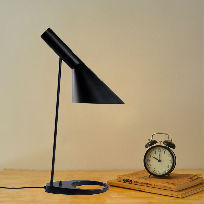Modern Table Lamp White/Black Classic Table Lamp Study/office Table Lamps  Personality Decoration