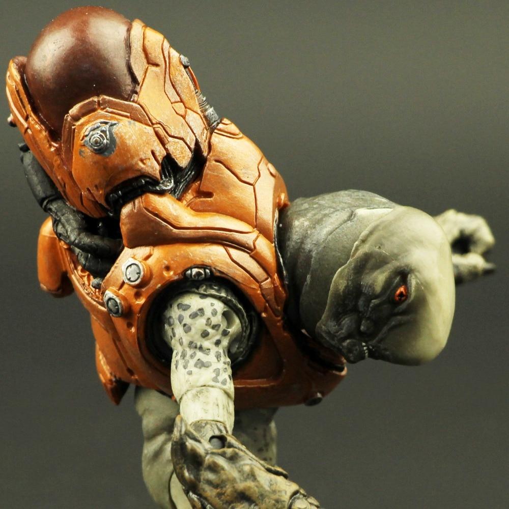 цена на Classic old style Macfarlane Halo 4 Reach elite warriors 5 inch action figure model alien monster