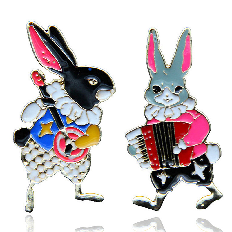 Hot Sell Cartoon Animal Enamel Brooches Pins Musician Rabbit/Cat Badges Creative Bunny Backpack Cute Pin For Women Jewelry Gifts