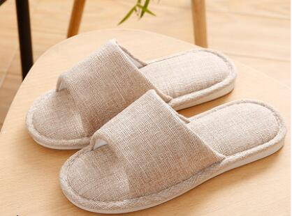 201818 Woman slippers CAT 201818 woman slippers caf