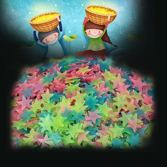 100 pçs/saco 3 cm Estrela Luminosa Adesivos Quarto Sofá Brinquedo Pintura Fluorescente PVC adesivos Brilham no Escuro Brinquedos para crianças