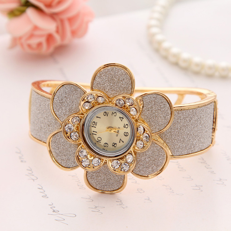 Famous Latest Girls Watch Designs Pictures Inspiration - Jewelry ...