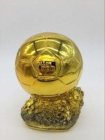 Sıcak satış Ballon d'Or Futbol Dünya Çalar Trophy Reçine Altın Top trophy 19 cm Fabrika Teslim