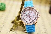 Marca de moda Las Mujeres se Visten Amante Corazón Rhinestone Reloj de Señora Dial Banda de Silicona Jelly Reloj Relogio Feminino Relojes de Pulsera de Regalo