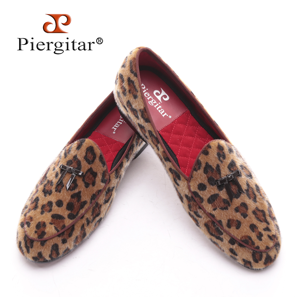 Piergitar new arrival Handmade men leopard velvet shoes with small tie and round tongue Fashion prom and Banquet men's loafers