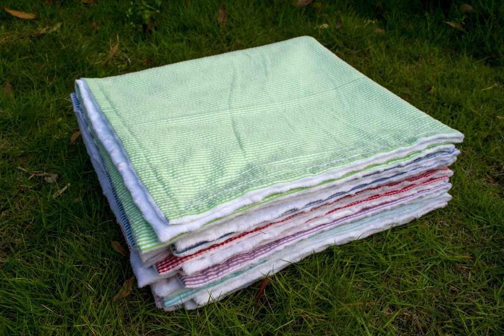 Новый летний seersuck сверхмягкий комфортный плюшевое детское одеялко многоцветное одеяло с minky с точечным рельефом