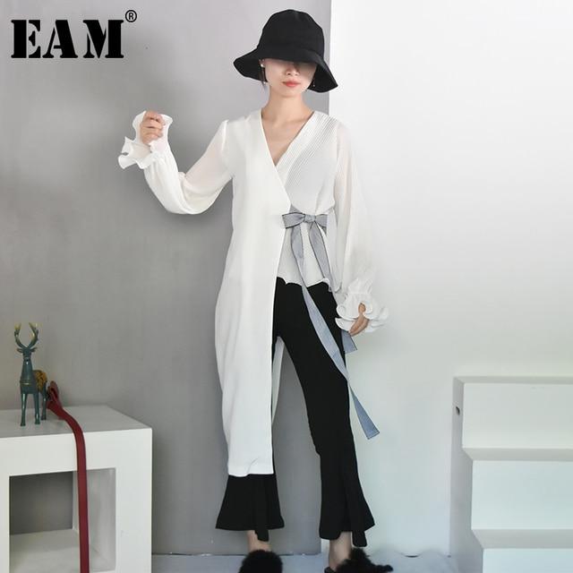 [EAM] 2019 New Spring Fashion Tide Black Simple V-neck Petal Sleeve Spliced Irregular Adjustable Waist Woman Coat S465