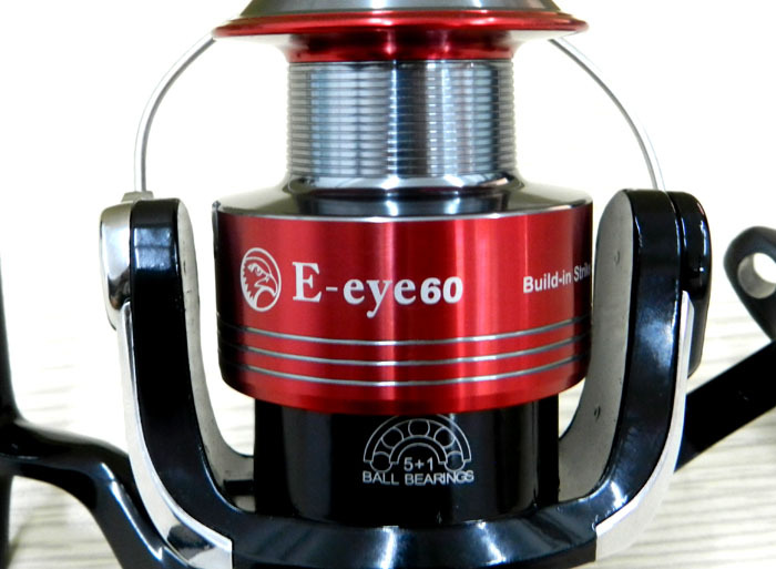 ФОТО 2014 freeshipping new arrival spinning fishing reels, reels ey60 5.1:1 6bb bait alert reel big rolls free