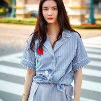 2017 تصميم جديد أزياء المرأة القمصان موجز المرأة زهرة التطريز قمصان الصيف قمصان قصيرة 7037