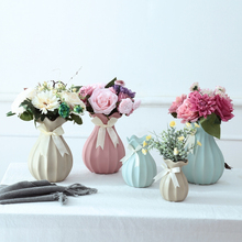 Ceramic vase Fashion Lotus leaf Flower Vase creative gift Room Study tabletop flower for home Wedding Decoration