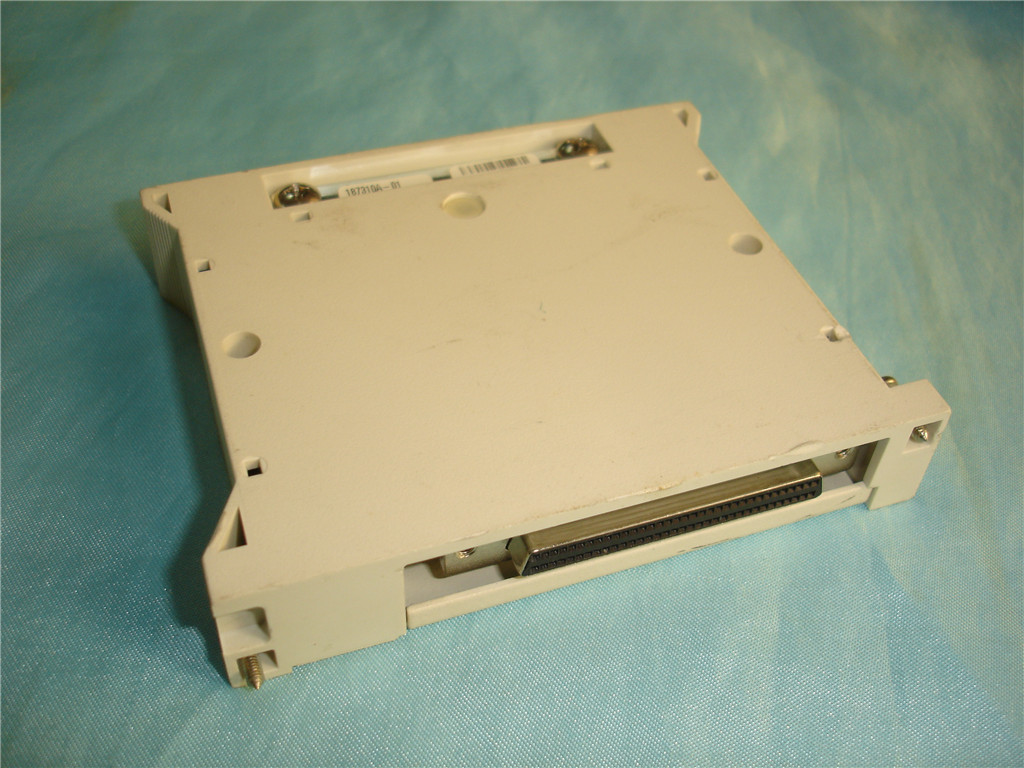 Pour la boîte de jonction NI TB-2715 PXI connecte des dispositifs PXI-653x ou PXI-660x aux signaux