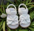 2017 Sandalias de Los Niños Zapatos Encantadora Causal Plana con Sandalias Del Bebé Del Verano Del Bowknot Zapatos de la Muchacha de Cuero Genuino Suave 1-6 Y