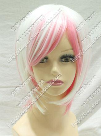 Cabello blanco con rosa