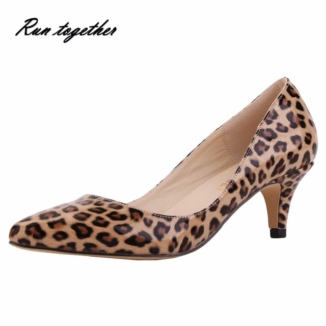 Nueva primavera verano mujeres bombas moda punta estrecha tacones Altos zapatos de mujer del banquete de boda zapatos de las señoras Del Leopardo de LA PU de cuero