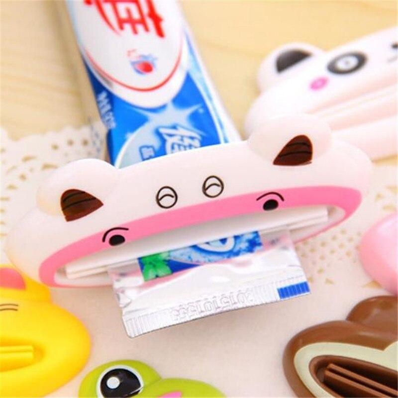 Купить с кэшбэком HOMETREE New 2Pc Cute Animal Toothpaste Dispenser Tube Squeezer Cream Squeezer Bathroom Accessories Products for Toothpaste H102