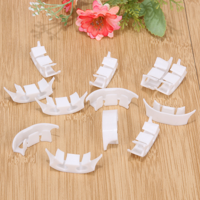 100Pcs Plant Fastener Clip for Tomatoes Vines Vegetable Plant Clamps Farming Clip Vine Bushes Greenhouse Garden Tool