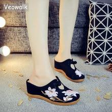 Veowalk פרח רקום נשים בד פרדות טריז להחליק על קרוב הבוהן אלגנטי גבירותיי מקרית קיץ כותנה נעליים עקב