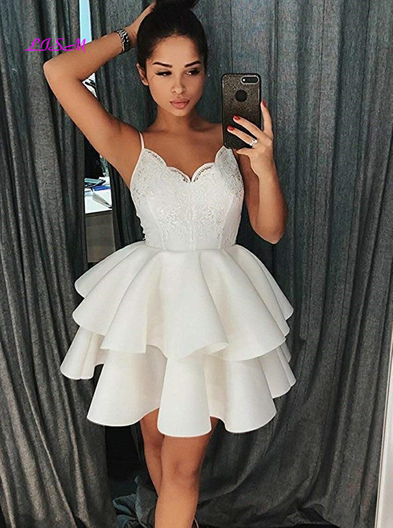 2018 New Arrival Sweetheart Straps A Line Short Homecoming Dresses Short Lace Satin Prom Dress Ruffled Tiered Mini Party Gowns