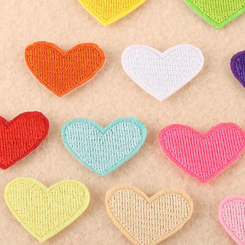 (20 สี) 2 ชิ้น/ล็อตLove Heart Patchesสำหรับเสื้อผ้าDIYลายเหล็กบนAppliquesเสื้อผ้าเด็กสติกเกอร์เย็บปักถักร้อยป้าย @ E