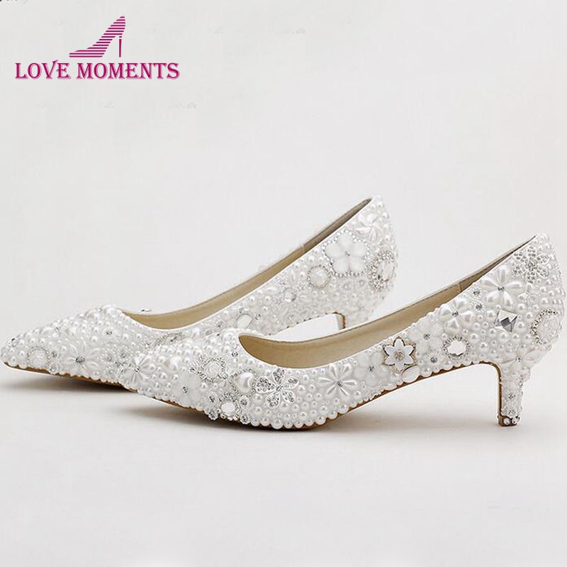 Pointed Toe White Pearl Bridal Shoes Middle Heel Wedding Dress Shoes Banquet Party Pumps Rhinestone Handmade Fashion ShoesPointed Toe White Pearl Bridal Shoes Middle Heel Wedding Dress Shoes Banquet Party Pumps Rhinestone Handmade Fashion Shoes