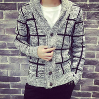 2017春のメンズ服の男性の格子縞の襟カーディガンニットジャケット男性セーターコート良い品質サイズmにxxl 2