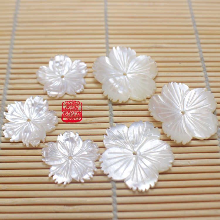 20pcs 10-16mm Natural white Mother Of Pearl Shell beads,Cute carving swim Fish Animal charms cabochon DIY earring ring findings