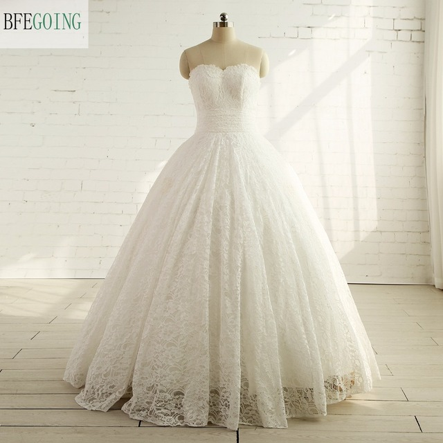 Ivory Lace Floor Length Sweetheart Ball Gown Wedding dress Chapel ...