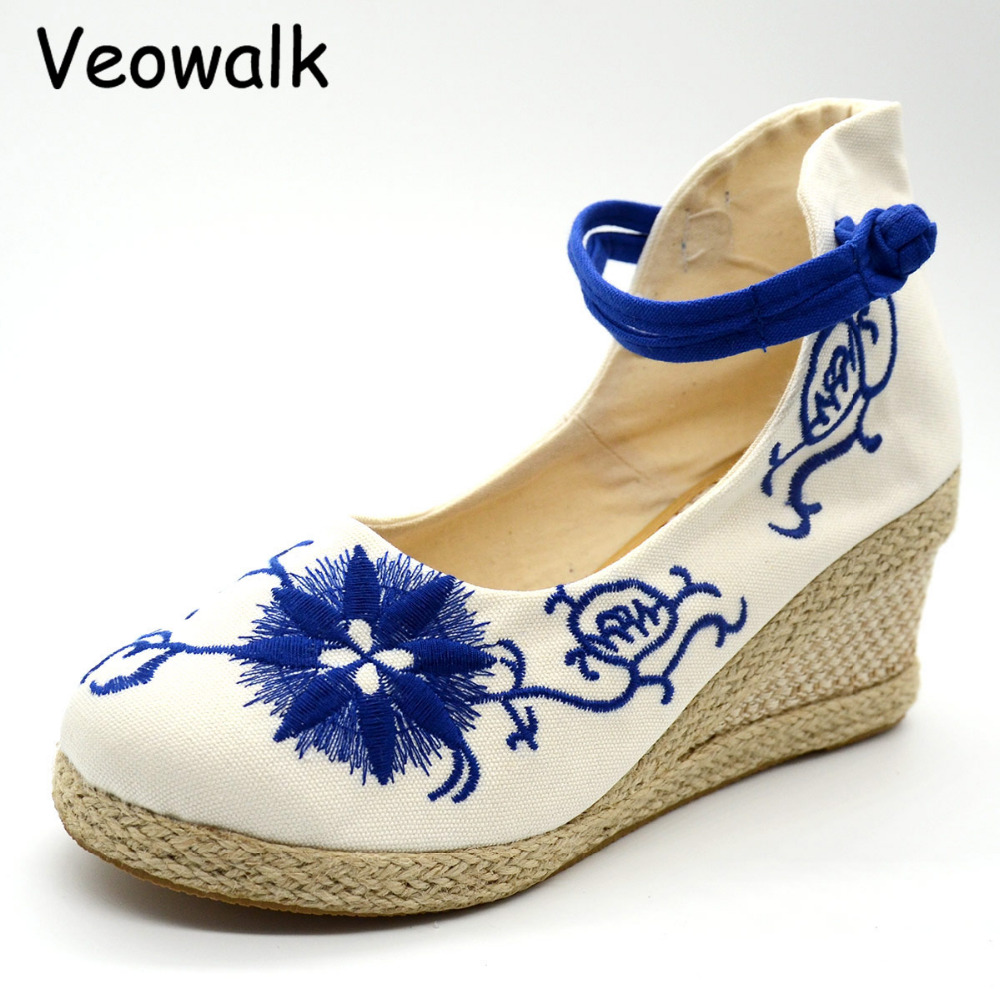 Veowalk Ankle Strap Women Flower Embroidered  Canvas Wedge Med Heel Shoes Elegant Ladies Casual Cotton Mary Jane Platform Pumps veowalk winter warm fur women short ankle boots cotton embroidered ladies casual canvas 5cm heels wedge platform booties shoes