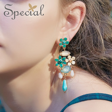 Special American and s 925 silver ear nailsen earring in the yard of aromatic.