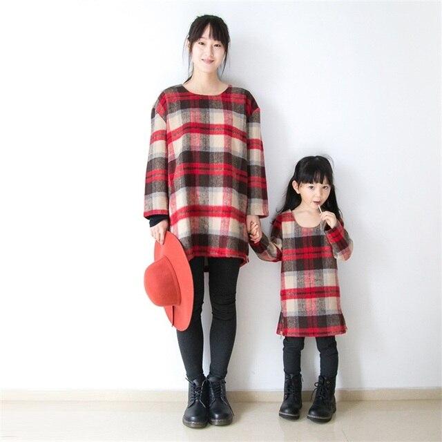2016 Осень Зима бренда дизайн шерстяные с длинным рукавом красный плед старинные случайные девушки платья матери пальто наборы семьи сопоставления одежда