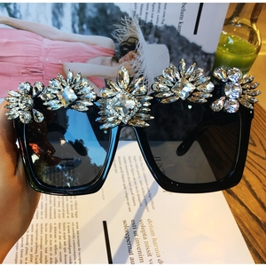 Image 2 - ที่กำหนดเองทำคริสตัลหรูหราแว่นกันแดดผู้หญิงB Ling R Hinestone O Versizeสแควร์แว่นกันแดดแบรนด์แว่นตาวินเทจสีสุภาพสตรี