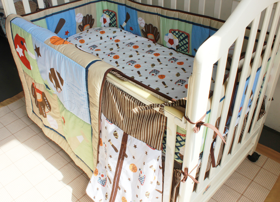 New 9 Pcs Baby Crib Bedding Set Flower Castle Baby Bedding Set Cartoon Quilt Crib Bumper Sheet Skirt Literie Pour Berceau Baby Bedding
