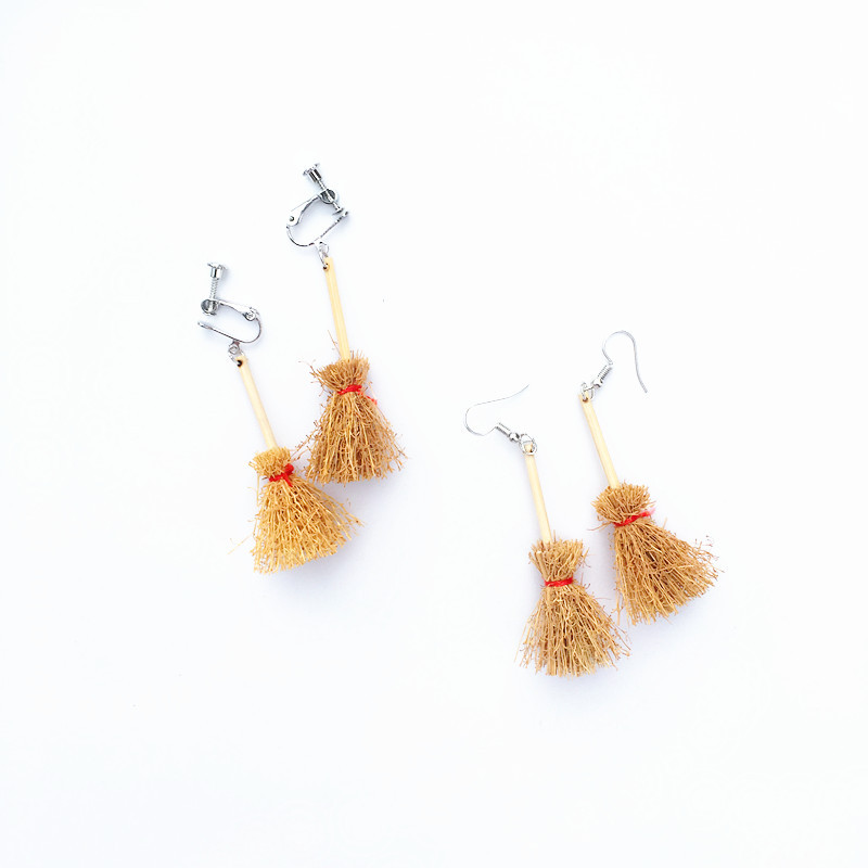 Ceative New Design Funny A Witch Broom Yellow Drop Earrings for Women Girls Unique Broom Dangle Earrings Fashion Brincos 2019