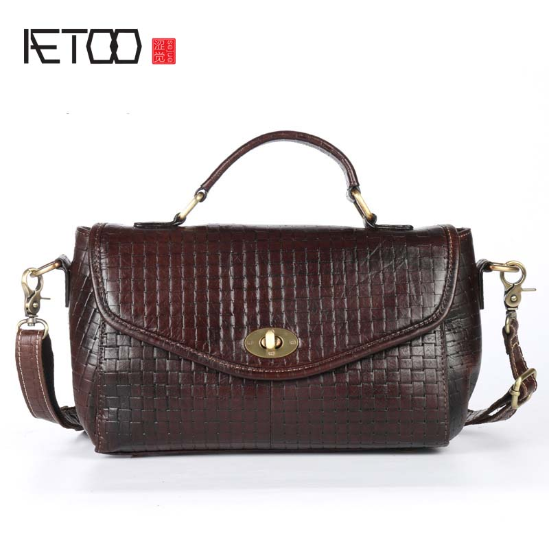 AETOO Oil wax head layer cow leather pattern embossed female fashion diagonal package small shoulder bag lock messenger bag aetoo new leather diagonal female bag korean fashion tassel lady bag leather shoulder messenger bag