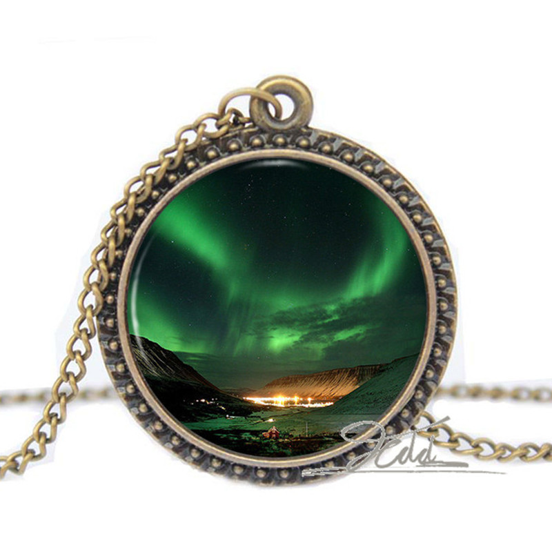 Northern Lights Pendant Space Nebula Aurora Borealis Necklace Green Gifts  Glass Photo Pendant Charm Necklaces pendant f4347156c094
