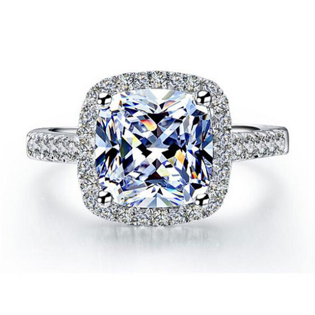 925 Sterling Silver Elegance Cubic Zirconia Ring