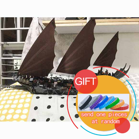 16018 756Pcs Movie series Ghost pirate ship Rapid assembly Model Building set compatible with 79008 Gift toys lepin lepin movie series ghost pirate ship 16018 756pcs building block for children toys 79008 compatible legoe pirate ship