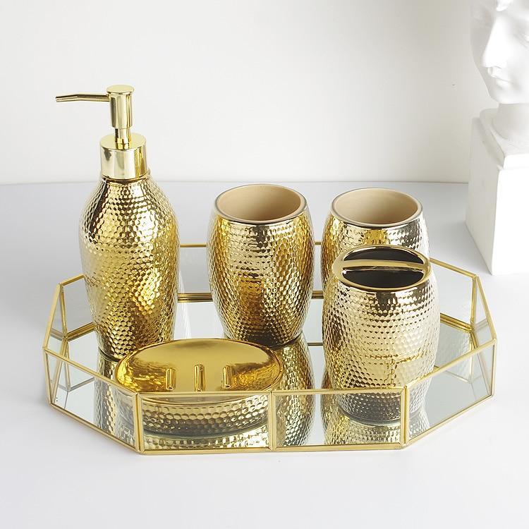 5 pz set di Lavaggio Domestico pennello tazza, Sapone liquido Dispenser, Portasapone moda goldern accessori bagno in ceramica set-in Set accessori per bagno da Casa e giardino su  Gruppo 2