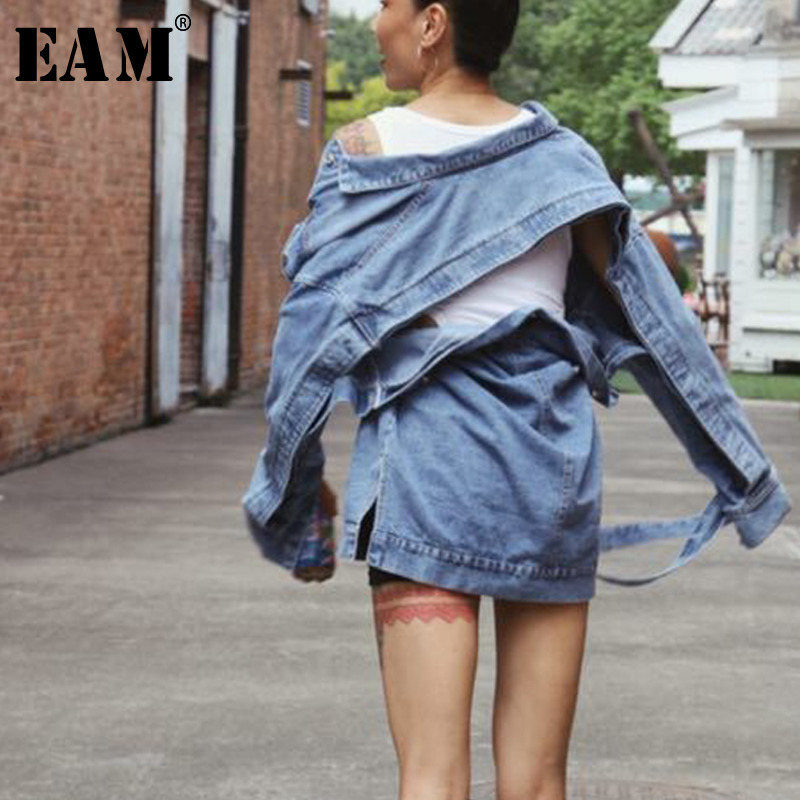 EAM 2019 New Spring Long Sleeve Loose Spliced Single Breasted Waist Lace Up Wild Denim