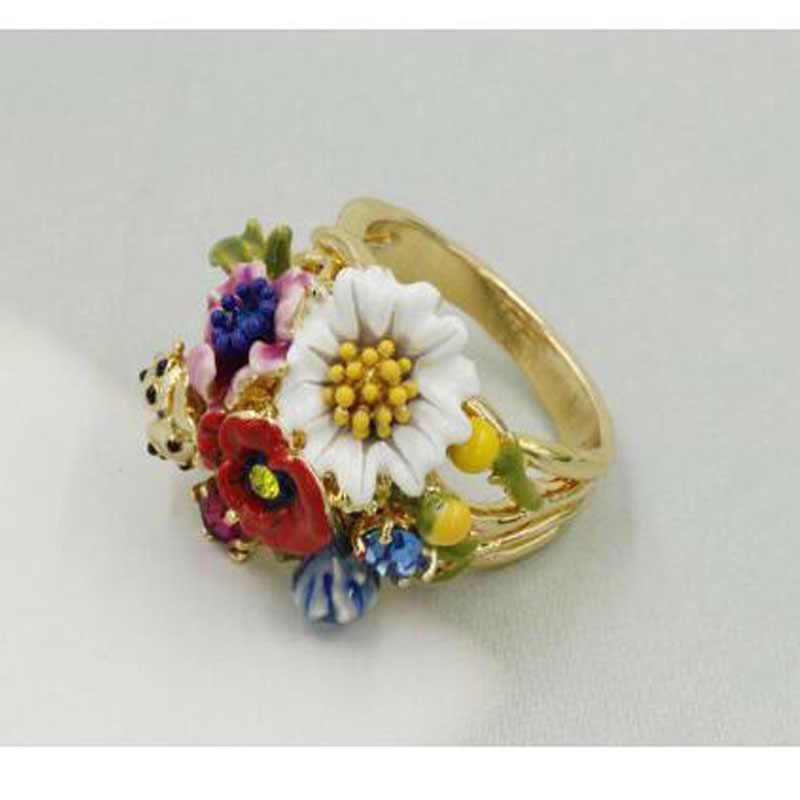 CSxjd New Luxurious elegant Lovely insect flowers fashion ring